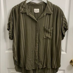 American Eagle Size L Short Sleeve Button Down